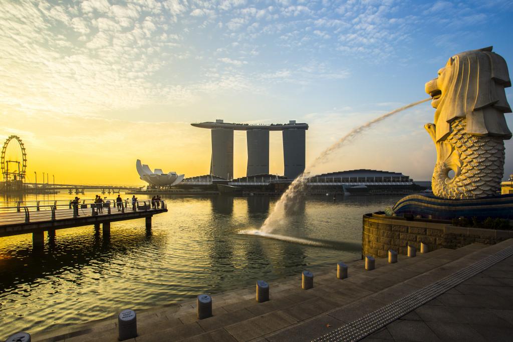 Singapore landmark Merlion with sunrise
